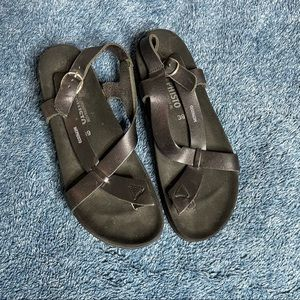 Mephisto genuine leather all black sandals